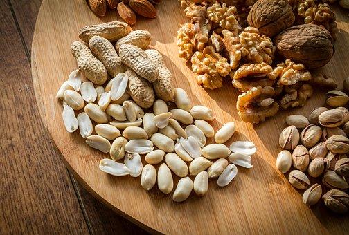 Frutta secca e semi: le loro proteine proteggono il cuore